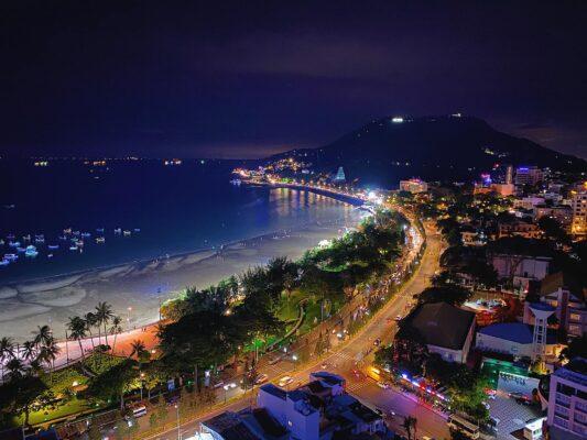 View Bãi Trước nhìn từ Breeze rooftop bar Vũng Tàu