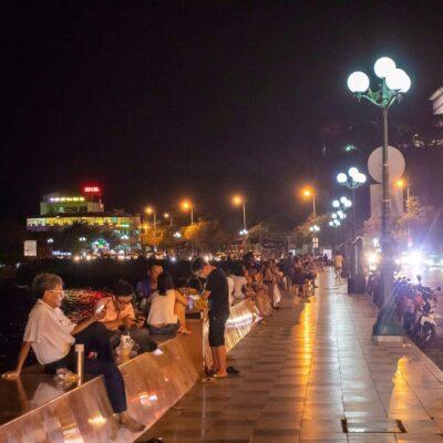 Đây chính xác là đặc sản của người dân Vũng Tàu về đêm khi mà mọi người không biết phải đi đâu