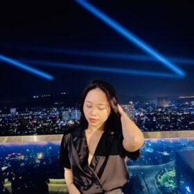 Rooftop bar là nơi ngắm cảnh Vũng Tàu về đêm vô cùng chill