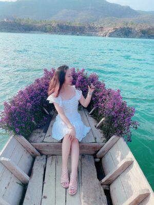 Những tiểu cảnh dựng sẵn ở Hồ Đá Xanh